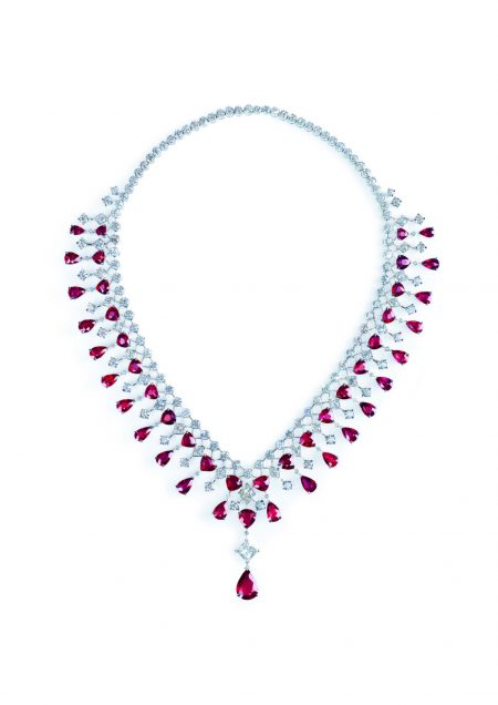 3_Piaget_-Secrets_and_Lights-_Rubies_and_Diamond_necklace_in_Platinum-G37M5100_1_